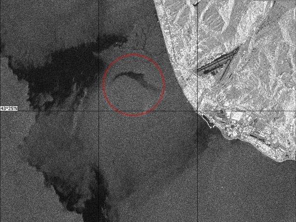 Содна Черного моря подняли часть фюзеляжа разбившегося Ту-154