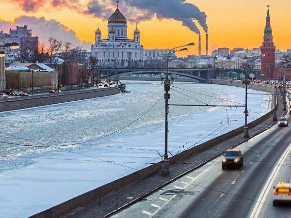 Матвиенко поручила выяснить причины неприятного запаха в российской столице