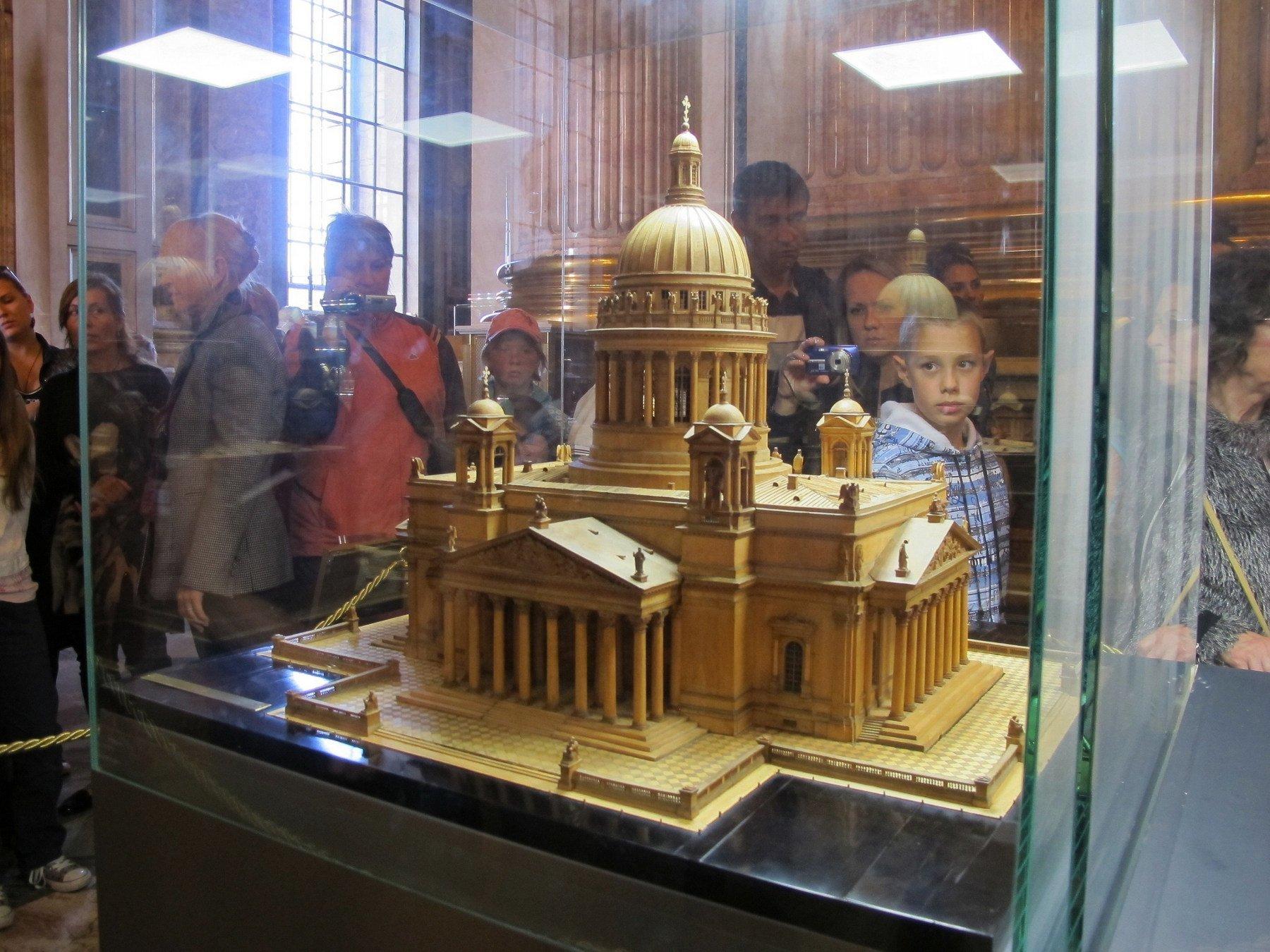 Губернатор Петербурга нискем несогласовывал передачу Исаакиевского храма