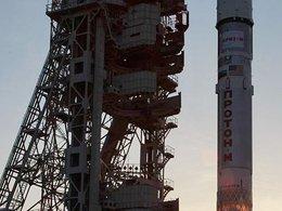 """Ракета-носитель """"Протон-М"""" на космодроме Байконур"""