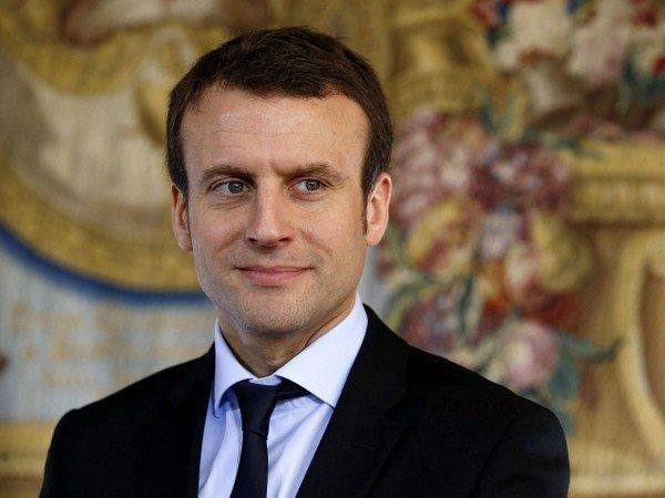 Кандидат впрезиденты Франции опроверг слухи о собственной гомосексуальности