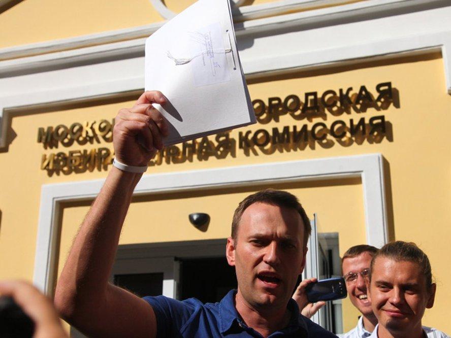 Навальный собрал 300 тысяч подписей для выдвижения в президенты - ПОЛИТ.РУ