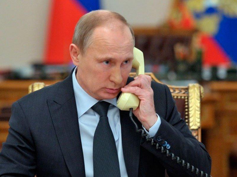 Работу В. Путина напосту президента одобряют неменее 80% граждан России