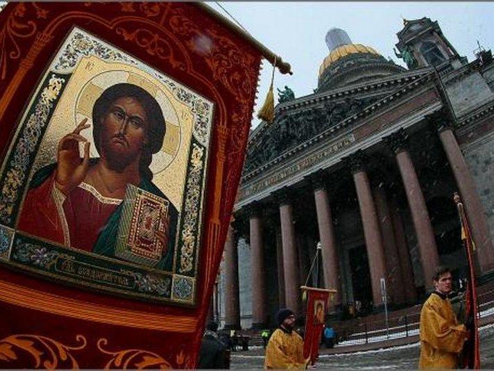 Сергей Шнуров внецензурном стихотворении высказался поповоду передачи Исаакиевского храма РПЦ