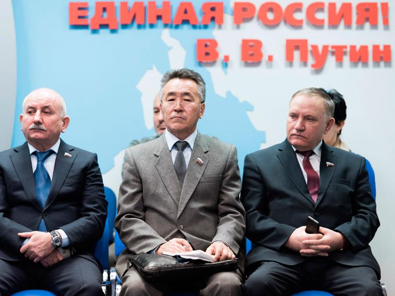 Единороссам поручили помогать оппозиции нагубернаторских выборах