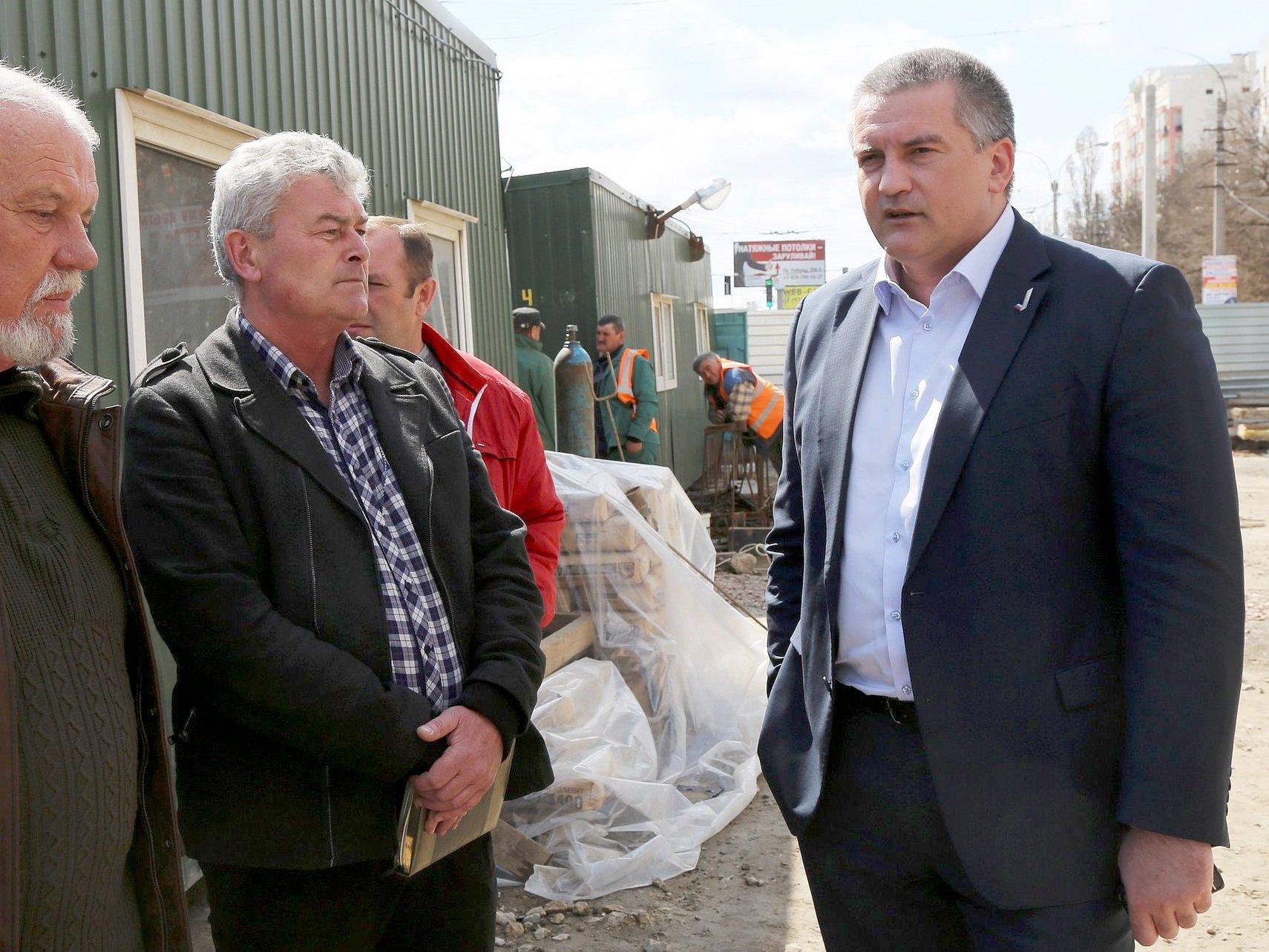Руководителя Крыма оштрафовали за компанию вывоза мусора кдомам чиновников