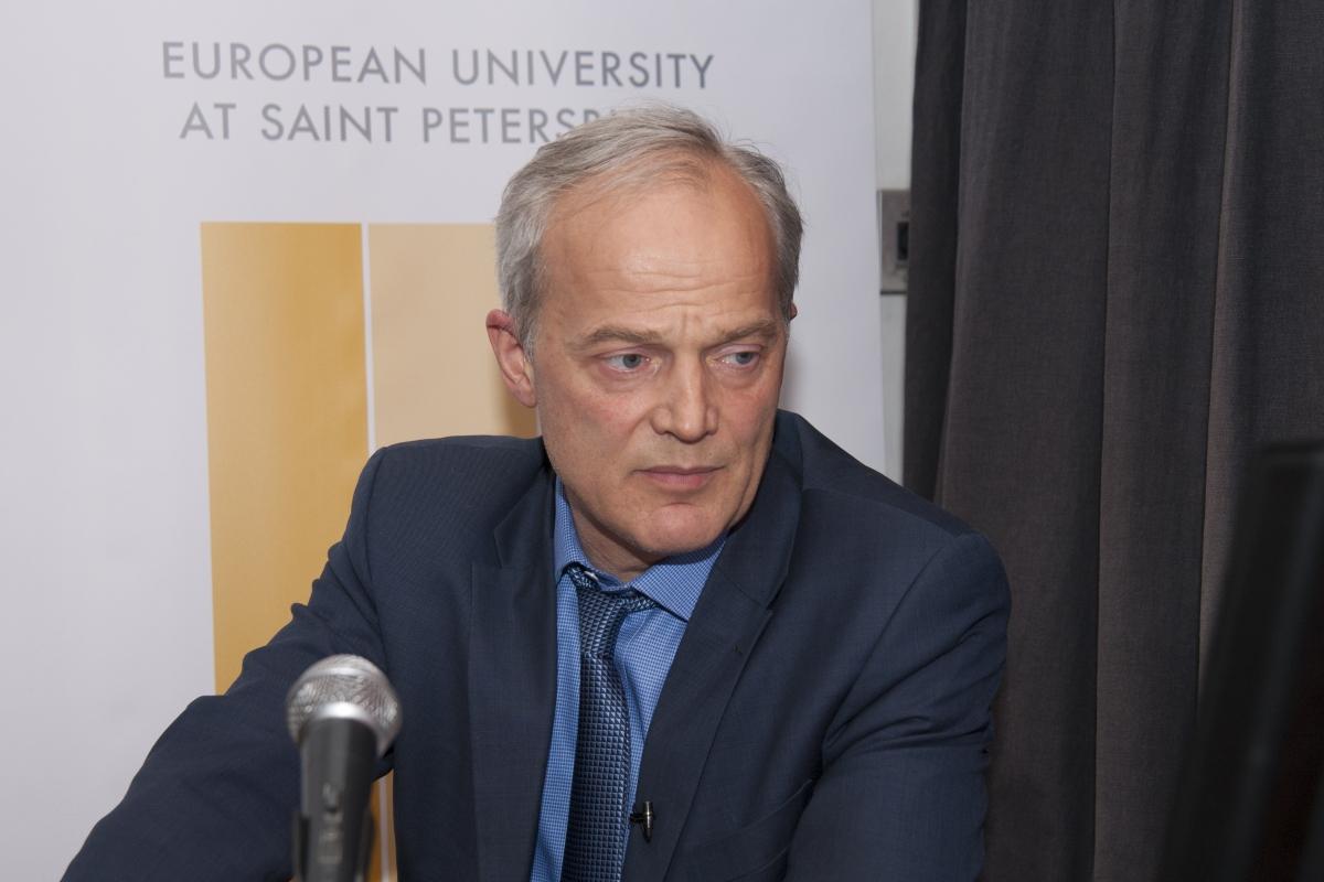 Фоторепортаж с лекции историка Никиты Ломагина