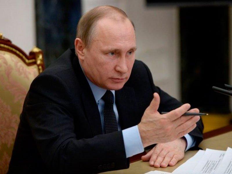 Деятельность В. Путина одобрили неменее 83% граждан России