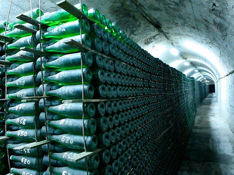 Тулякам придется покупать шампанское на10-15% дороже