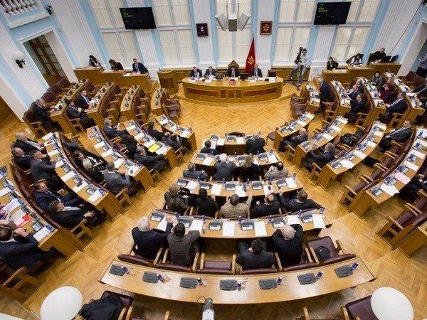 Единогласно: парламентарии Черногории поддержали вступление страны вНАТО