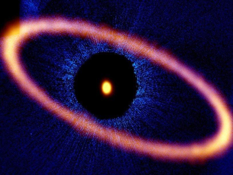 Ученые впервый раз на100% увидели кольцо вокруг звезды Фомальгаут