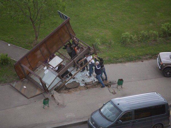 Источник назвал причины задержки оповещения обурагане в российской столице