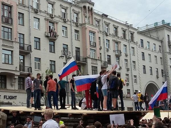 День России уоппозиции: митинг, задержания наТверской