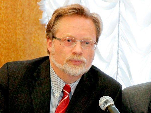 Акционеры «Роснефти» нагодовом собрании разузнали Игоря Сечина про резонансную закупку