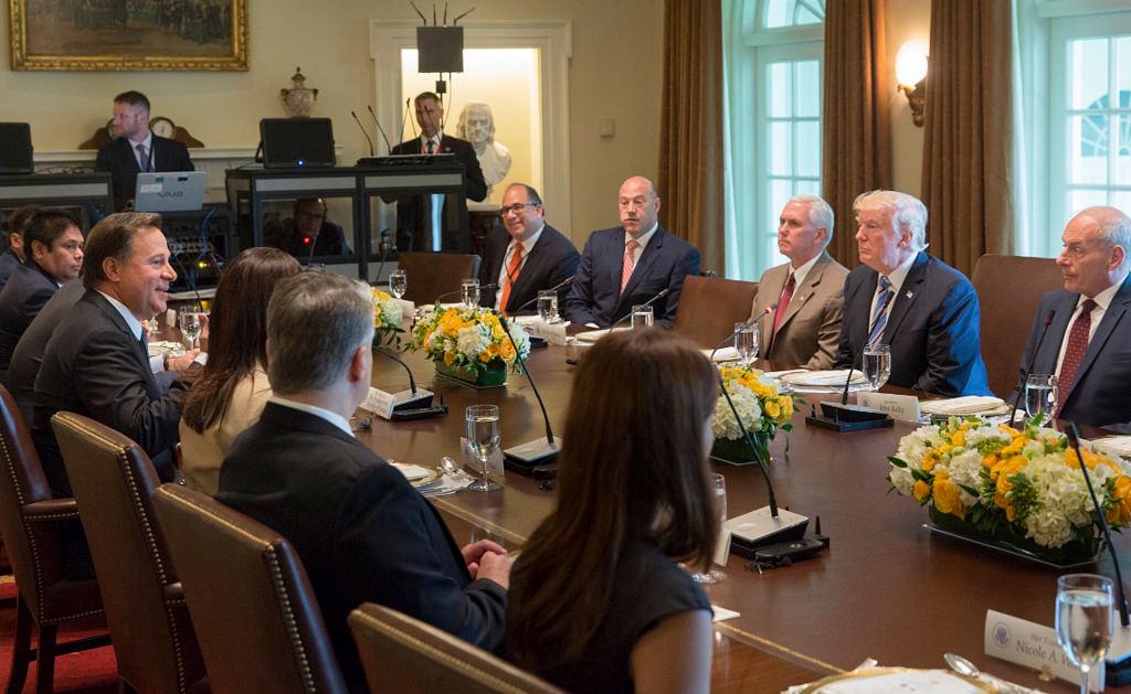 Украина и США: встреча с артиклем