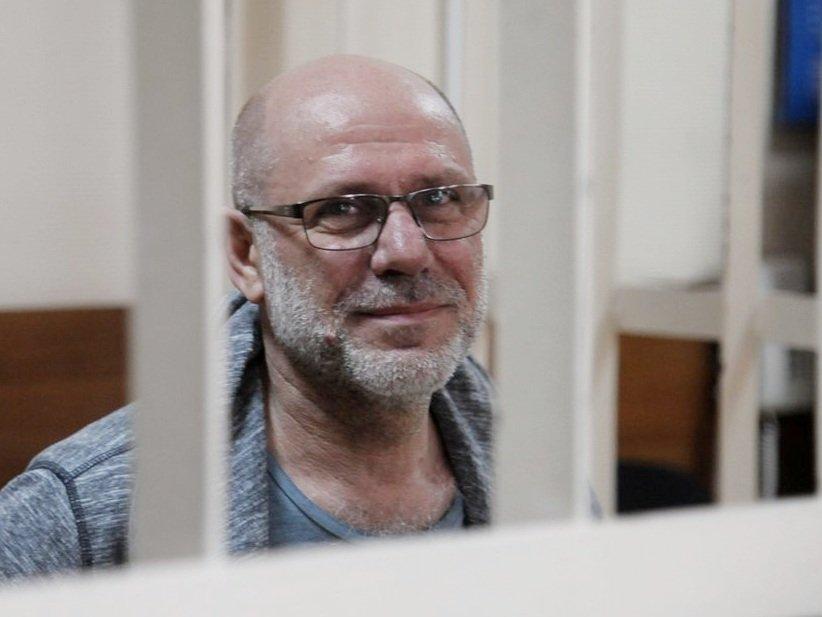СКР вновь просит отправить экс-директора «Гоголь-центра» под домашний арест