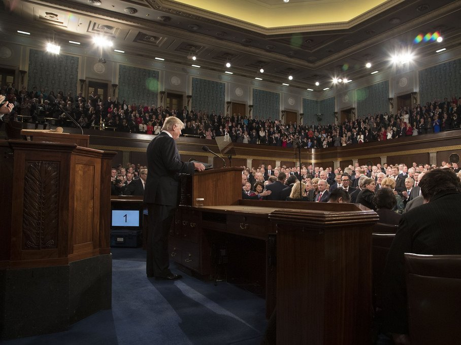 Белый дом сказал темы первой ежегодной речи Трампа в съезде