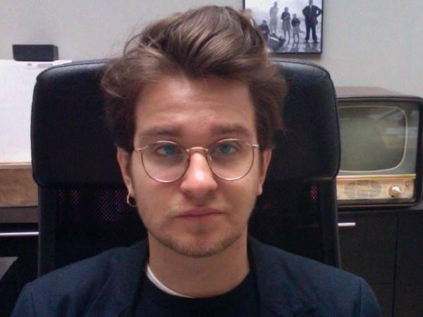 Егор Мостовщиков покинул должность основного редактора сайта «Сноб»