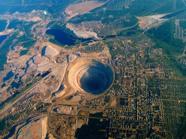 Рудник «Мир» компании «Алроса»