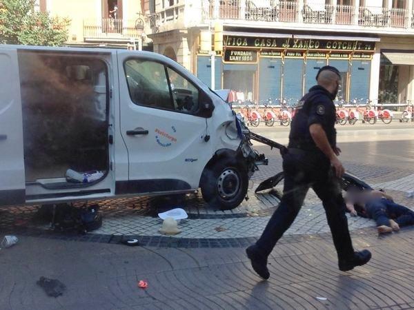 Количество жертв теракта вКаталонии возросло до 15 человек