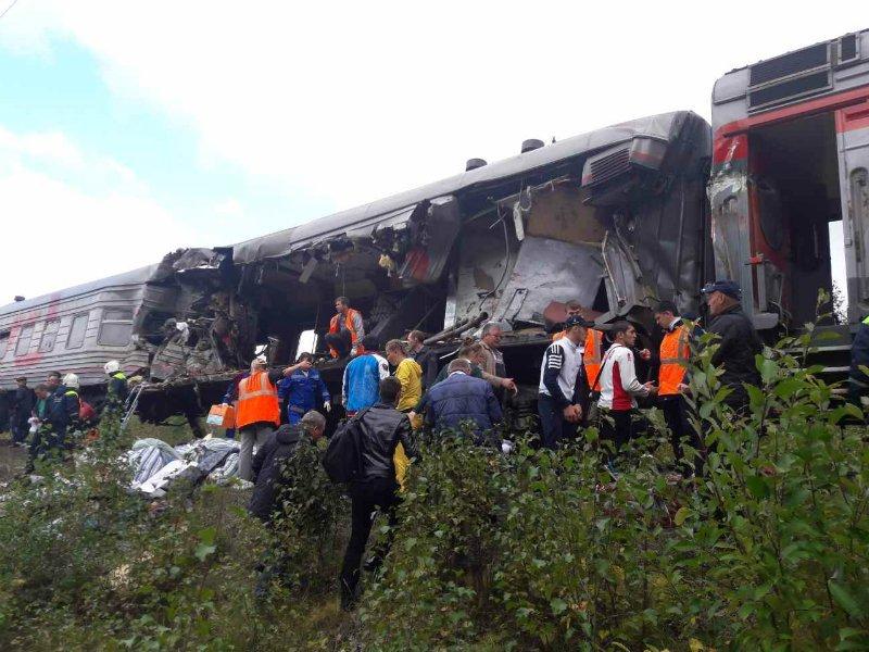 ВЮгре поезд столкнулся с грузовым автомобилем: вчисле 13 пострадавших— дети