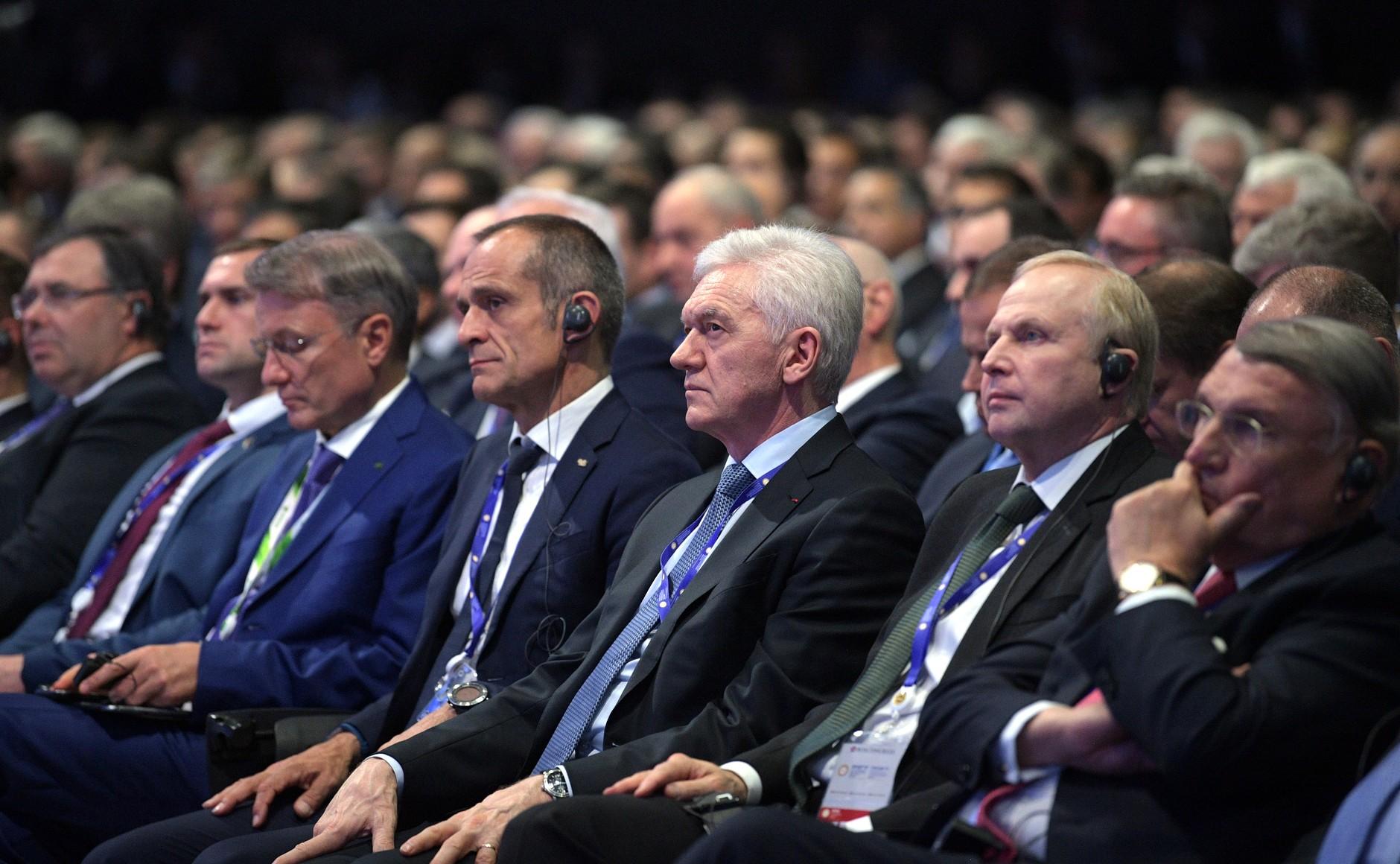 Владимир Путин снизил требования кстажу для претендентов нагосслужбу