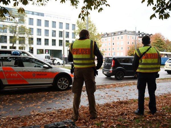 Велосипедист сножом ранил восемь человек— Мюнхен