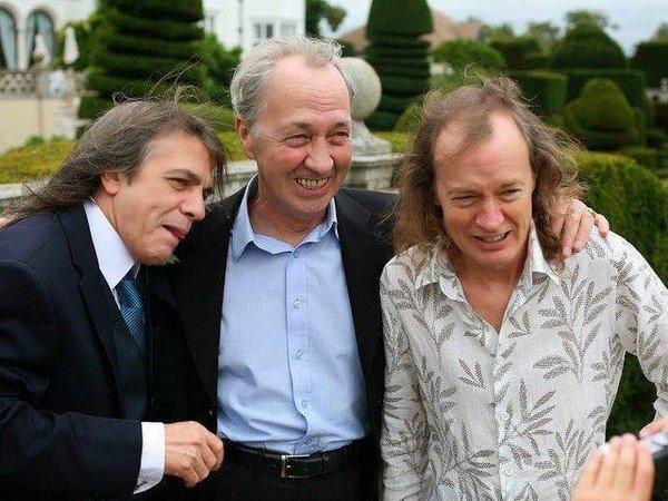Скончался один из основоположников AC/DC Малкольм Янг