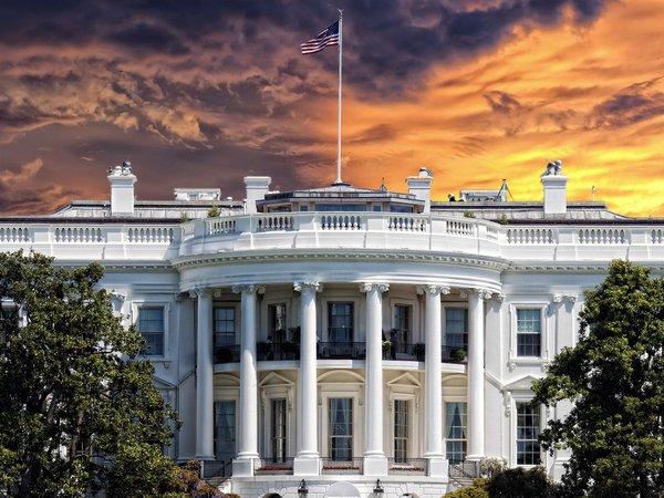 Белый дом начал подготовку квведению вСША режимаЧП