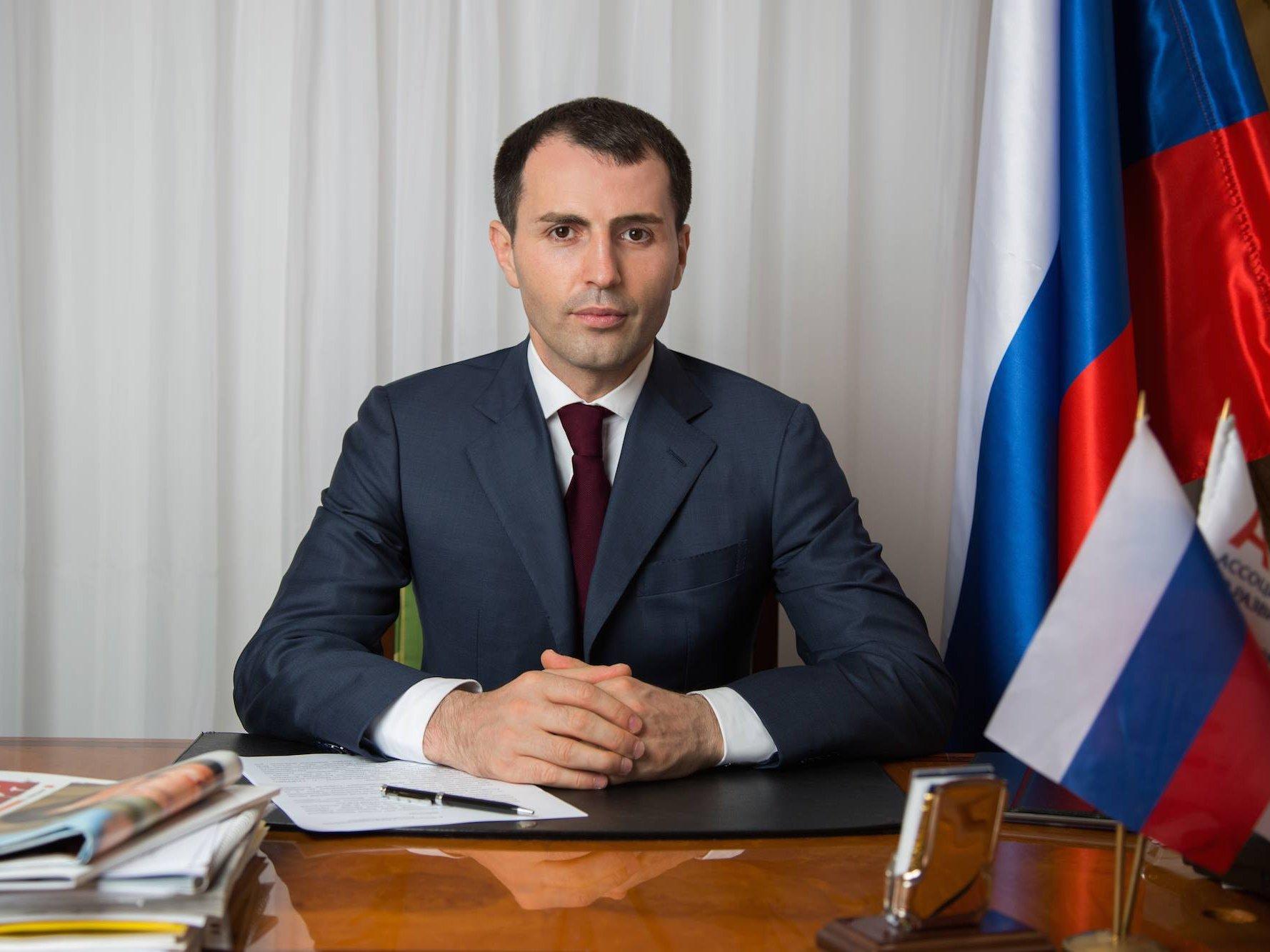 Прежний работодатель Лизы Песковой решил выдвинуться впрезиденты РФ