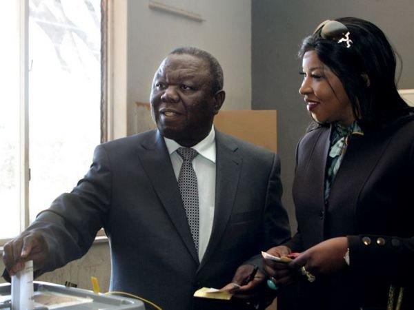 ВЗимбабве прибыл один из основных оппонентов президента страны