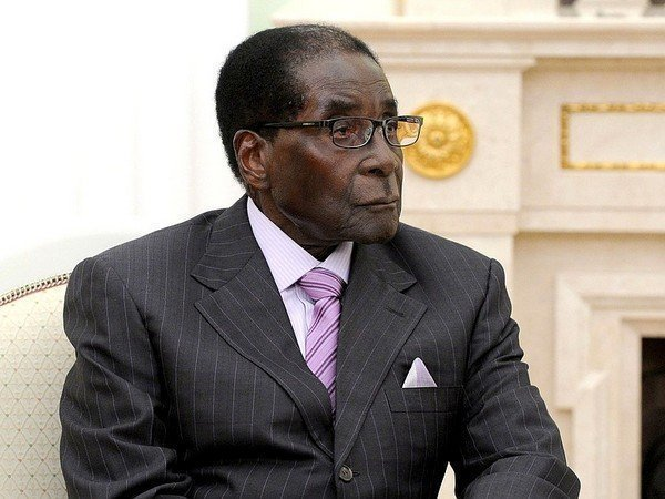 Президент Зимбабве Мугабе отказался уходить вотставку