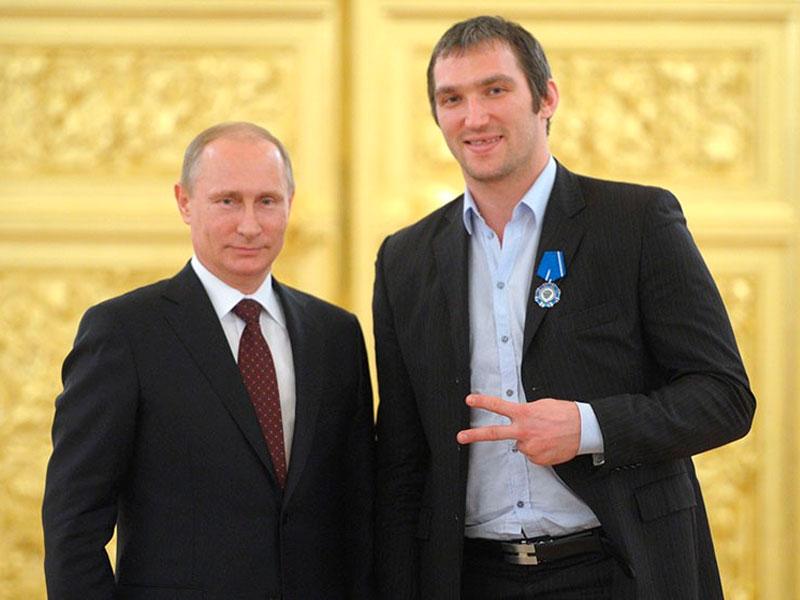 ЕР и Putin Team. Кто поддержит лучше?