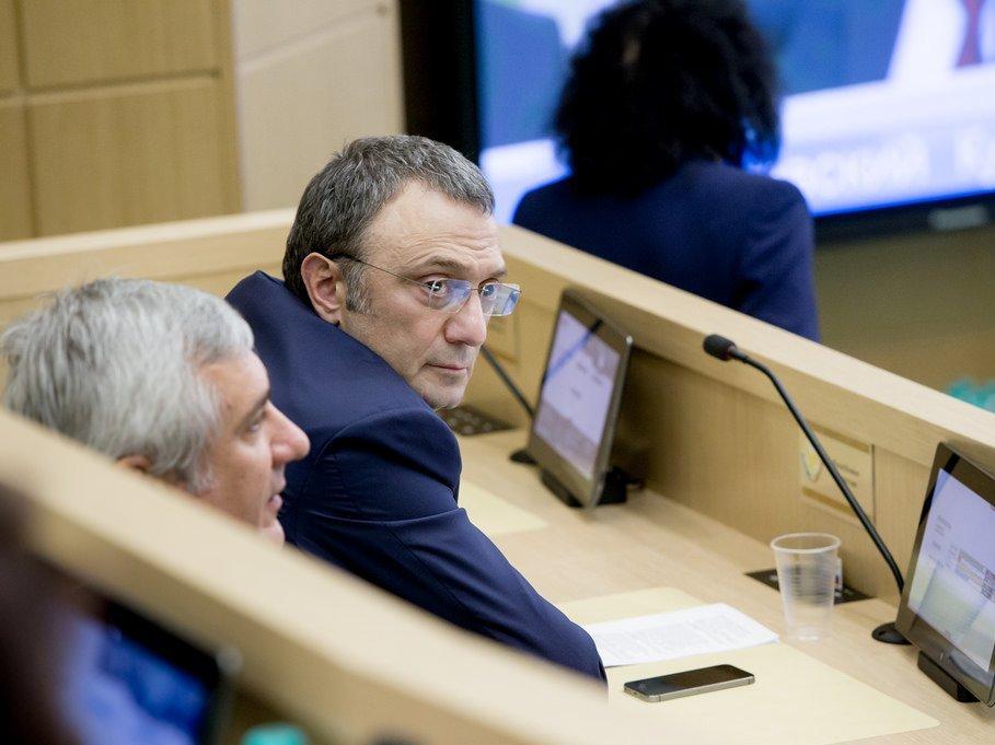 Кремль пообещал защитить права сенатора Керимова