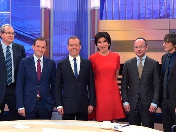 Премьер Медведев пообещал Путину поддержку «Единой России»