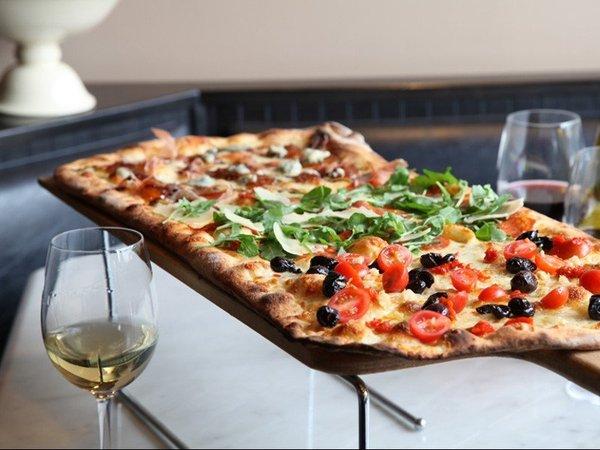 Неаполитанская пицца.