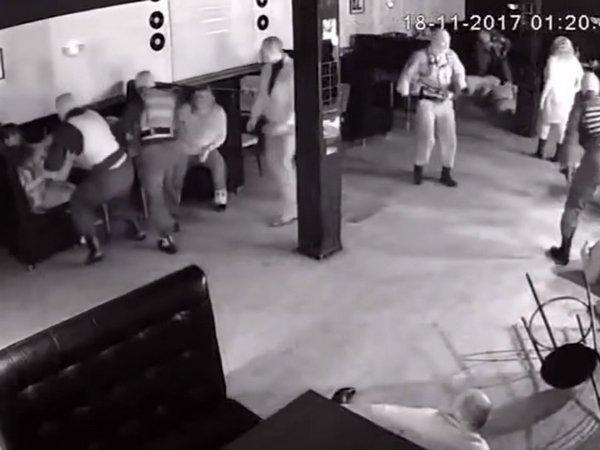 СКзавел дело онападении полицейских на гостей кафе вЛипецкой области