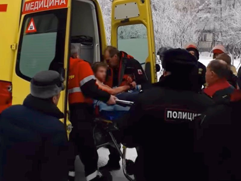 Устроивших поножовщину впермской школе молодых людей арестовали