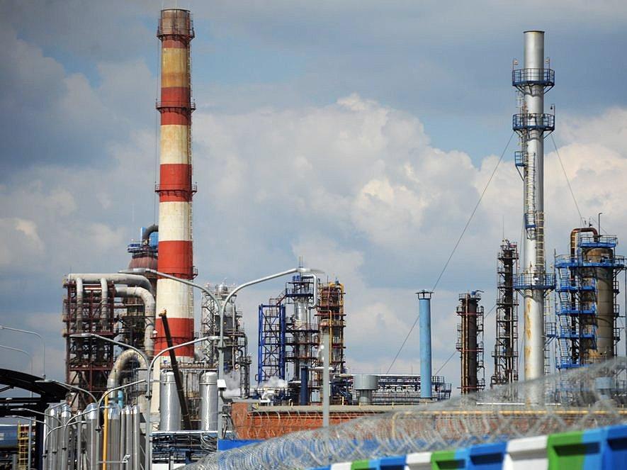 СМИ проинформировали осогласовании налогового маневра между нефтяниками ивластями