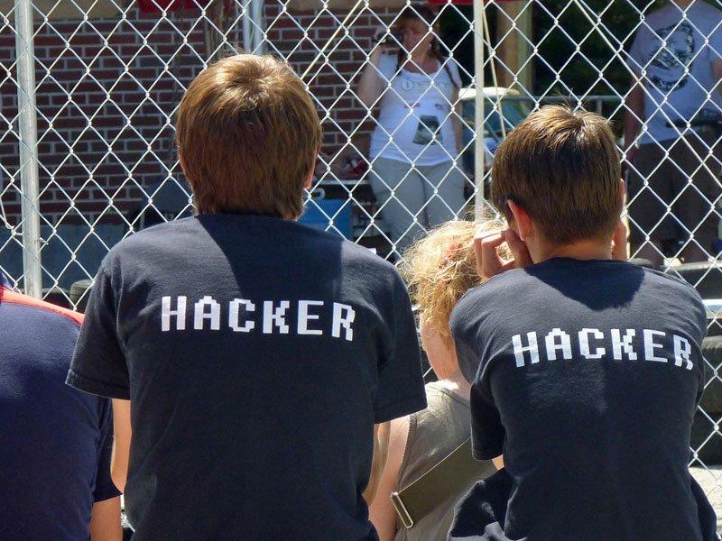 Спецслужбы США оплатили  россиянину 100 тыс.  долларов завозвращение кибероружия