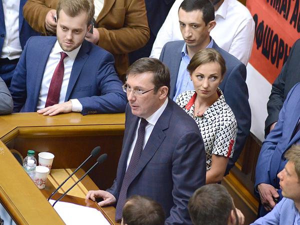 Савченко в кольце врагов