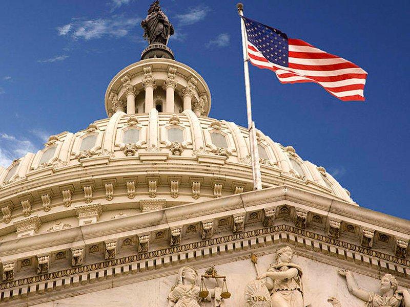 Сенат США одобрил оборонный бюджет страны насумму неменее $700 млрд