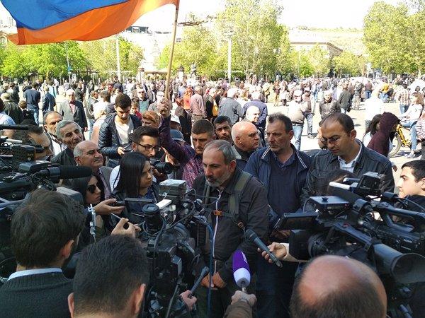 Временным премьер-министром Армении стал Карен Карапетян
