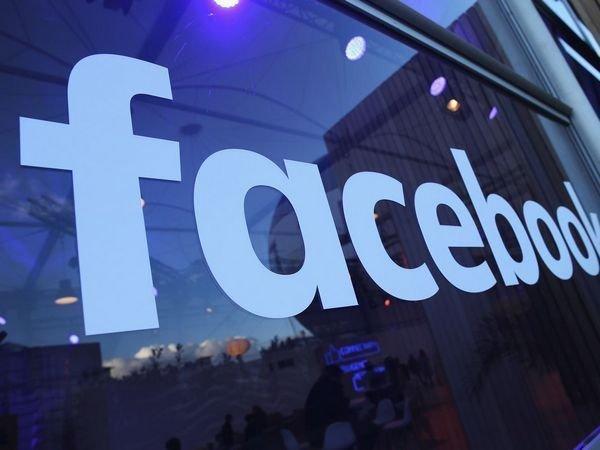 Фейсбук ограничит компании Huawei доступ кличным данным пользователей