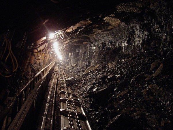 Работников шахты «Распадская» вКузбассе эвакуировали из-за пожара