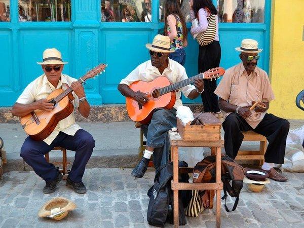 Гавана. Музыканты в туристическом районе