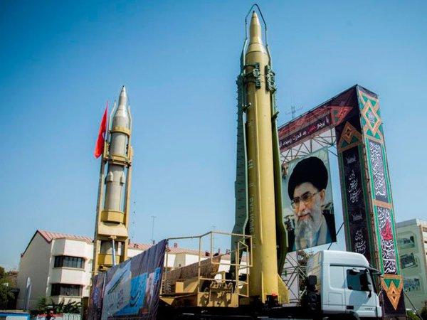 Иран. Ракеты с портретом Хаменеи