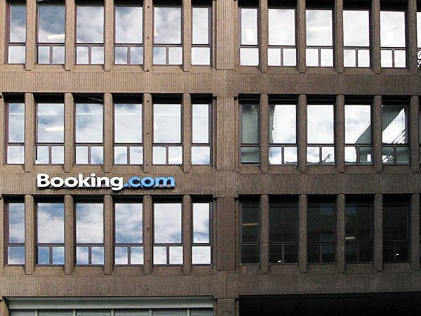 Сервис Booking.com из-за санкций закрыл для туристов бронирование отелей вКрыму
