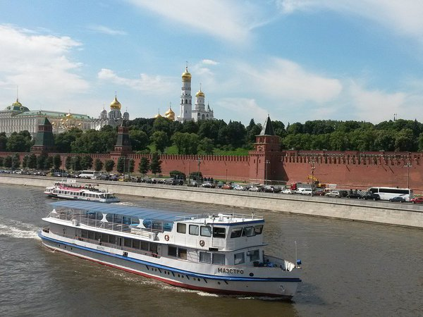 Ространснадзор расследует столкновение теплоходов на Москве-реке