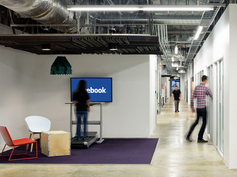 Facebook vs. WhatsApp: конфликт бизнеса и идеологии